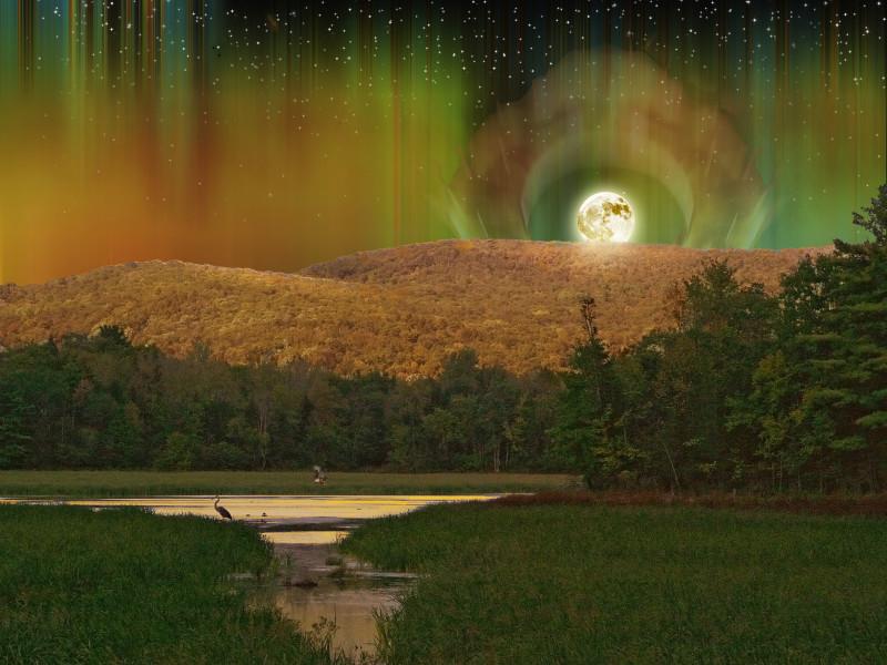 Auroral Moon
